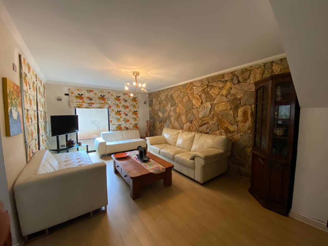 Hermosa casa con finas terminaciones, en Sector Andalue, San Pedro de la Paz.