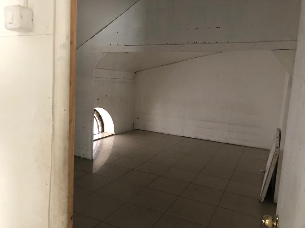 Local comercial planta libre ubicado en Segundo piso, en Maipu altura Orompello