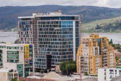Excelente oficina planta libre ubicada en edificio Plaza costanera